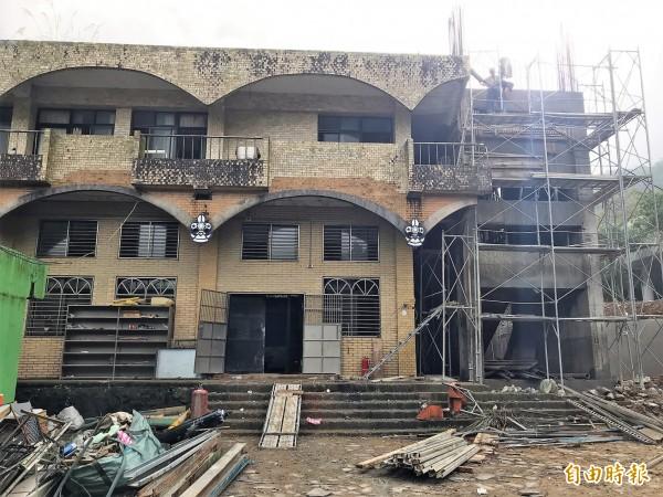 基隆童軍活動中心建物老舊,正在進行整修。(記者林欣漢攝)