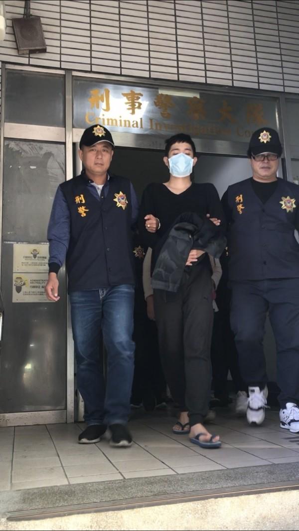 警方逮捕蘇姓男子。(記者林宜樟翻攝)