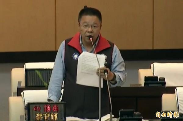 前台南代理市長李孟諺接任行政院秘書長,台南市議會國民黨團書記長蔡育輝諷刺地說,真是天佑國民黨。(資料照)