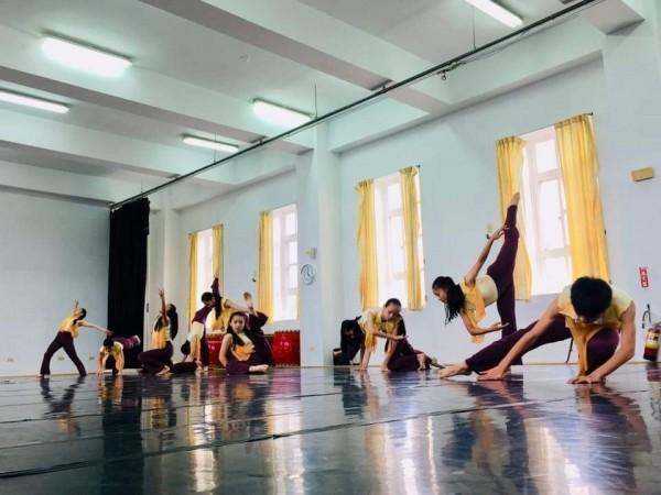 基隆市建德國中舞蹈班為基隆舞蹈學子提供學習搖籃,每年吸引不少學子報考。(基隆市建德國中提供)