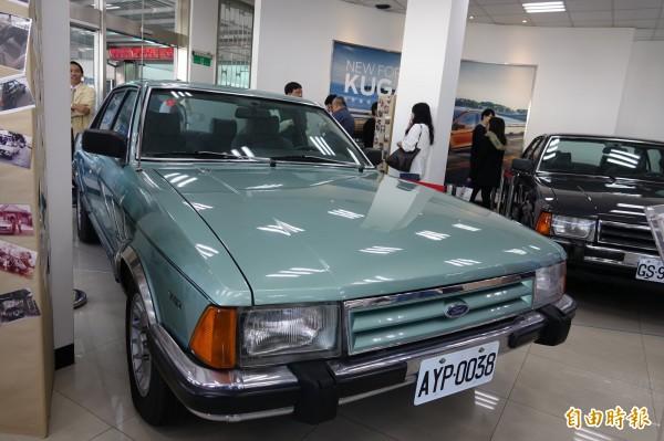 歡慶福特在彰化40年,展出經典款的老車。(記者劉曉欣攝)
