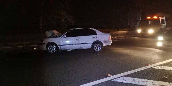 國道1號嘉義水上段在今天凌晨2點多發生重大車禍,肇事原因由國道警方調查中。(讀者提供)