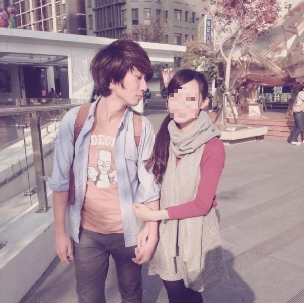 劉志軒(左)在19歲那年,騎車30多公里,參加路跑志工,返途時疑疲勞駕駛車禍身亡。(記者王捷翻攝臉書)(建議女生要打馬賽克)
