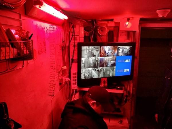 基隆鐵路街艷窟「崔姬」的店內,監視器一應具全,仍被警方破獲引進假觀光來台來台賣淫的泰國妹。(記者林嘉東翻攝)