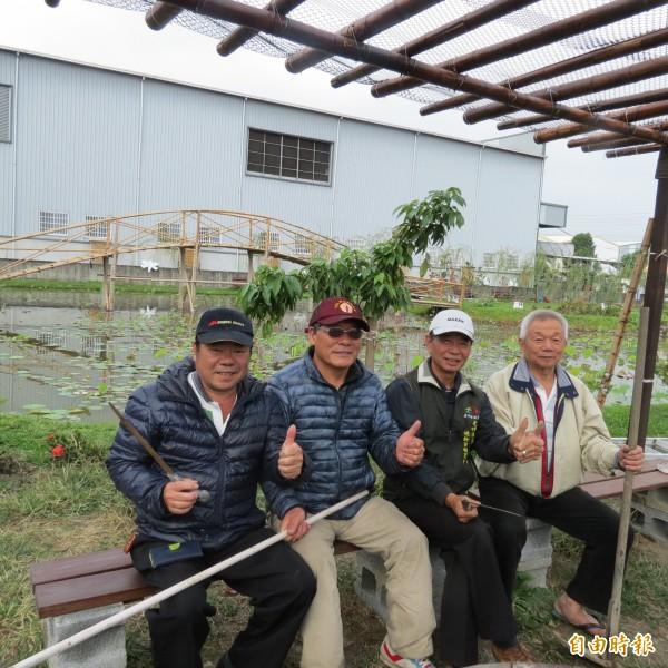 社區人合作一手打造休閒好去處。(記者蘇金鳳攝)