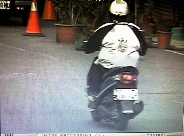 越南籍移工尚姓男子酒後騎車,警方測得酒測值達0.76毫克。(記者丁偉杰翻攝)