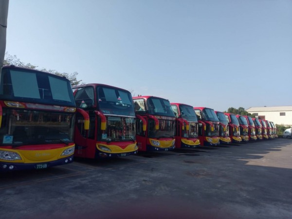 和欣客運巴士。(記者王俊忠翻攝)