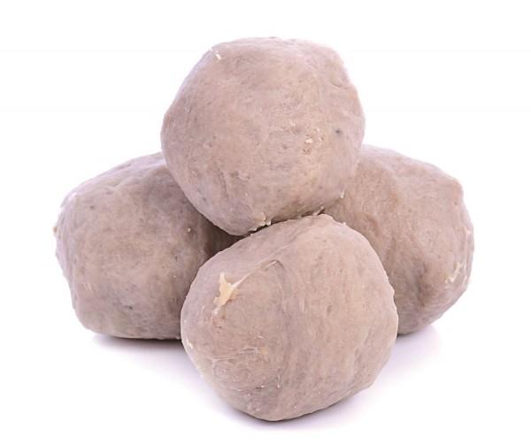摃丸是新竹市的名產,由於強調手打,多以「摃」字為名,主要以豬後腿肉做成。 (新竹市政府提供)