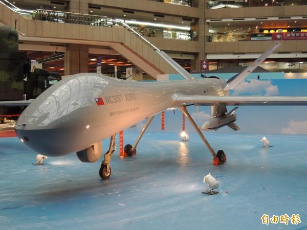 騰雲無人機今年將進行加掛飛彈的實測。(圖:記者羅添斌攝)。