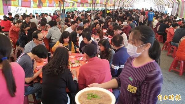 澎湖娘家宴發展歷史悠久,原意是凝聚社區向心力。(資料照,記者劉禹慶攝)