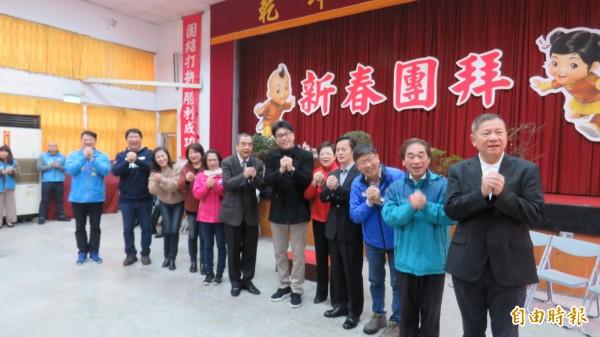 國民黨基隆市黨部今天舉行新春團拜,有意參選立委的5位候選人都到場。(記者俞肇福攝)