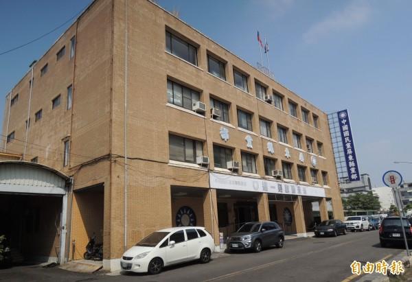 國民黨將買回被法拍的屏東縣黨部大樓,向法院申請延後點交。(記者李立法攝)