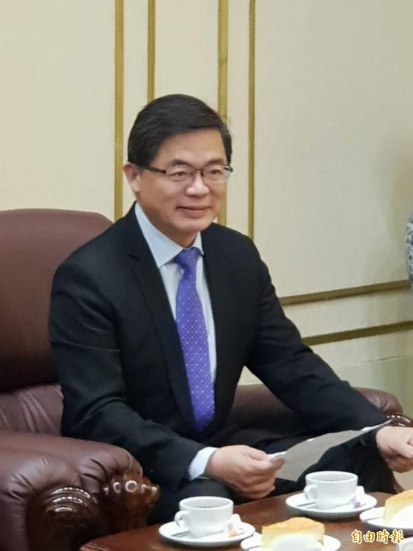 為回應並解決民怨,行政院秘書長李孟諺表示,政院正在協調解決老車淘汰計畫與幼托準公共化政策補助爭議。(資料照)