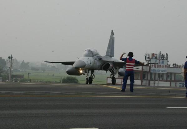 2007年幻象2000戰機花壇戰備道起飛畫面(見圖),5月將重現。(軍聞社提供)