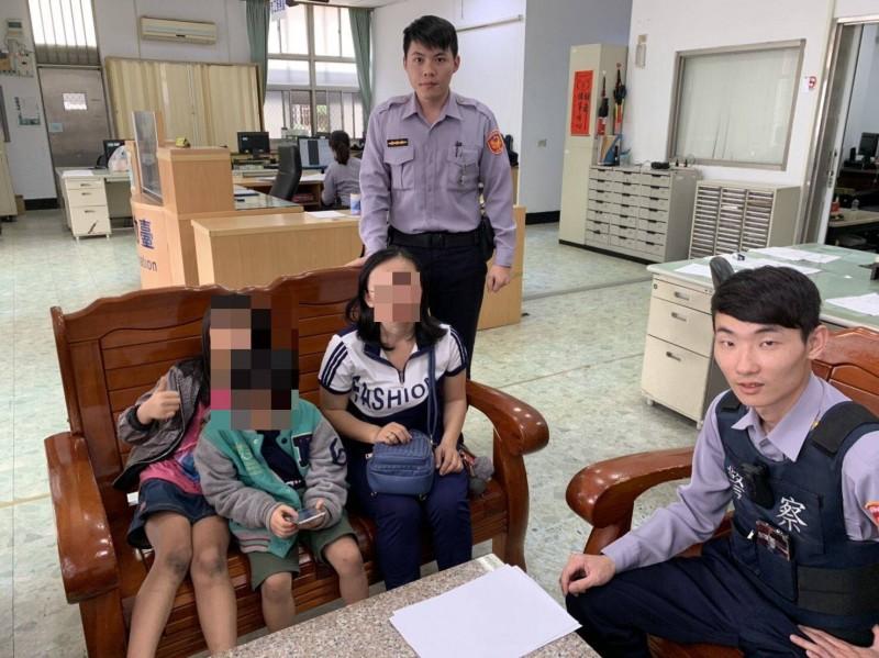 警方半小時找回失蹤的姐弟,讓家長相當感謝。(記者萬于甄翻攝)