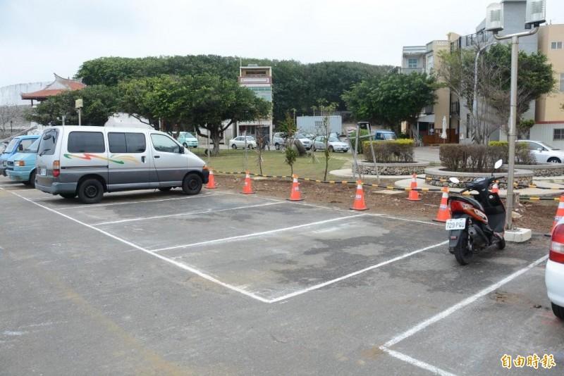 澎湖租車專區3月1日正式上路,設立在郵輪碼頭停車場內。(記者劉禹慶攝)