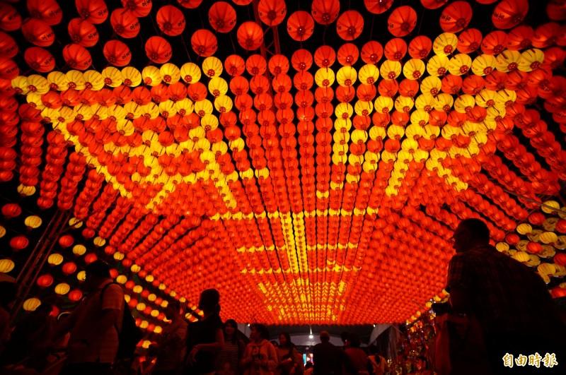 台灣燈會宗教燈區屏東玉皇宮。(記者陳彥廷攝)