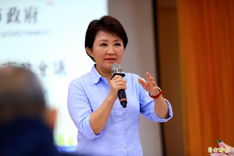 台中市長盧秀燕說,花博歷經3位市長,新市府原則是依法行事、依約辦理。(記者張菁雅攝)