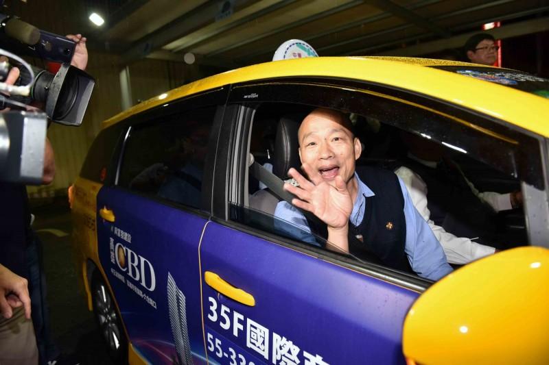 高雄市長韓國瑜昨晚夜宿運匠家中。(記者葛祐豪翻攝)