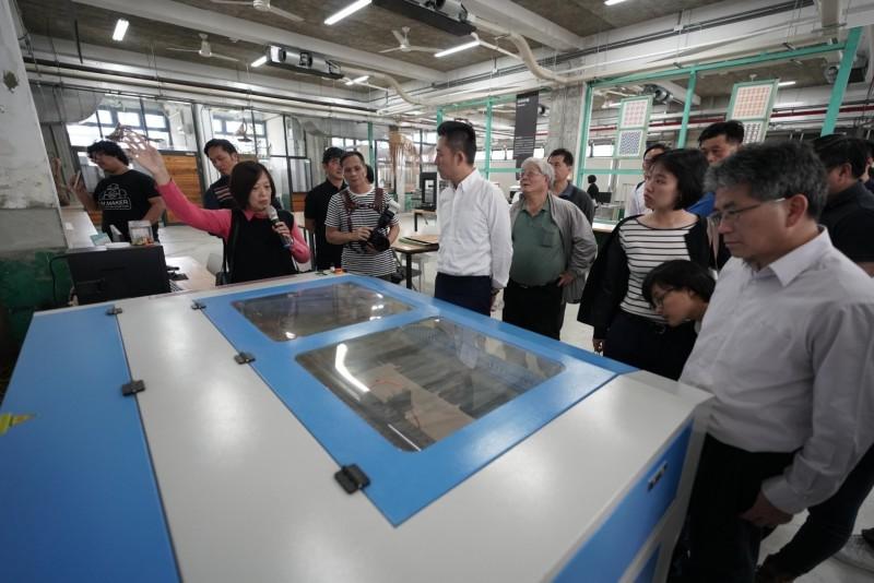 林智堅參訪台東設計中心。(市府提供)