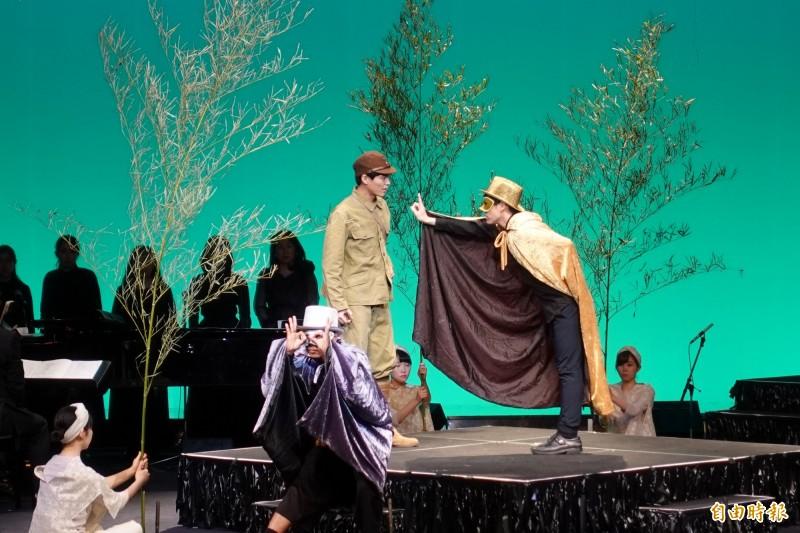 歌劇「星空小協奏曲 阿琴」邀請兩名台灣演員演出。(記者林翠儀攝)