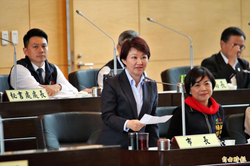 盧秀燕說,台灣很多政治發展有時不是操縱在候選人手裡面。(記者黃鐘山攝)