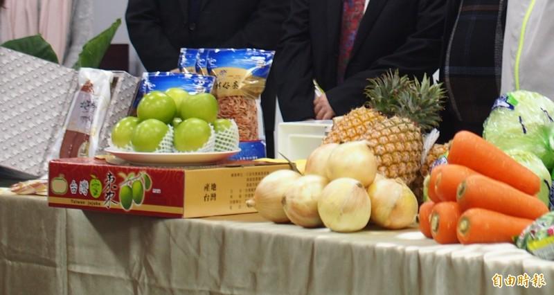學者憂心自經區會重創台灣農業。(記者簡惠茹攝)