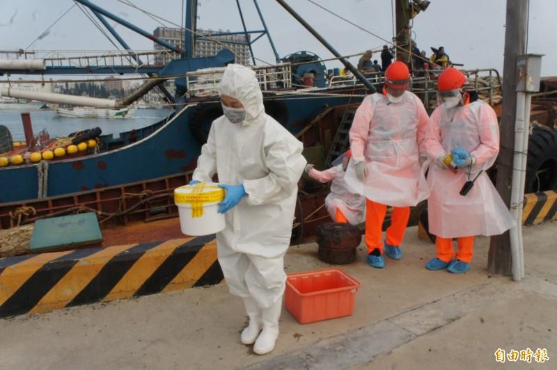 中國為非洲豬瘟疫區,查扣豬肉封存在保麗龍盒內。(記者劉禹慶攝)
