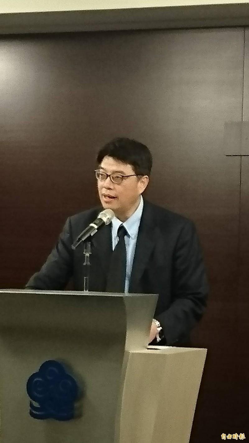 中國OTT(影音串流平台)「騰訊視頻」傳出循「愛奇藝」模式,5月來台灣落地,國家通訊傳播委員會(NCC)明天將召集相關部會研商。陸委會副主委兼發言人邱垂正今天在例行記者會上表示,政府並未開放OTT落地,將與NCC、經濟部與文化部等相關機關會共同嚴格把關,有效反制與因應中國對台圖謀。(記者鍾麗華攝)