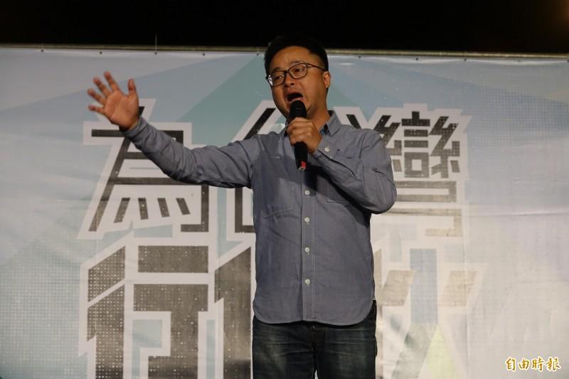民進黨秘書長羅文嘉今晚到彰化和美為立委候選人黃振彥站台。(記者劉曉欣攝)