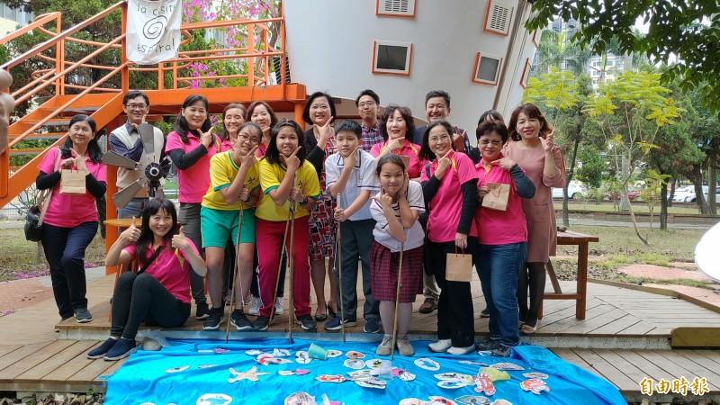 大成國中將於週日舉辦首屆減塑園遊會,邀請大家共襄盛,一起減塑愛地球。(記者蔡文居攝)