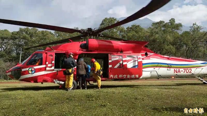 攀登八通關馬博橫斷的登山隊發生1死1傷山難,原定空勤入山搜救,礙於天候不佳並未出勤。示意圖。(記者劉濱銓攝)