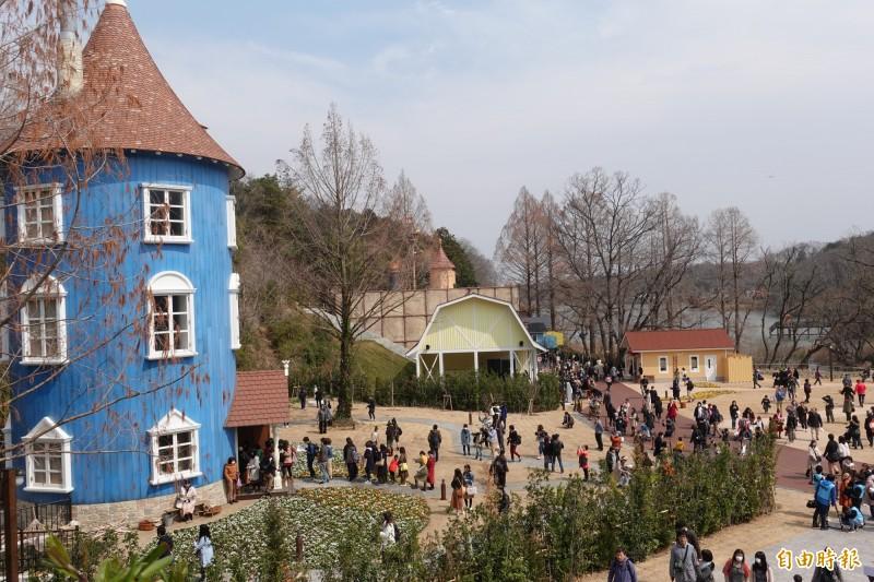 位於埼玉縣飯能市的「姆米谷樂園」16日開幕,重現芬蘭童話姆米的故事舞台。(記者林翠儀攝)