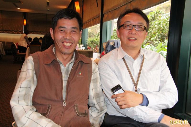 新竹地檢署法醫楊敏昇(右)被廖双台(左)視為生命中很重要的貴人之1。(記者黃美珠攝)