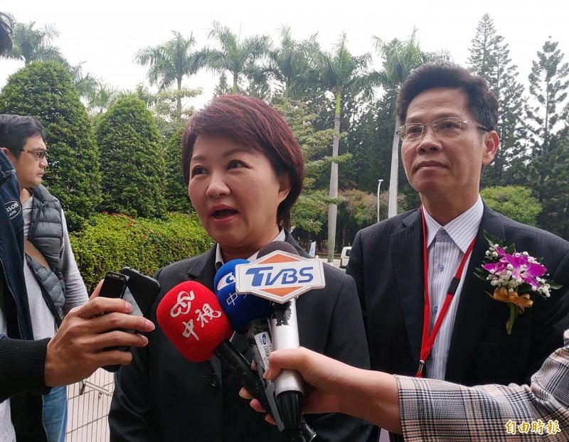 台中市長盧秀燕(左)表示,這次立委補選,民進黨贏了面子,國民黨贏了裡子。(記者張菁雅攝)