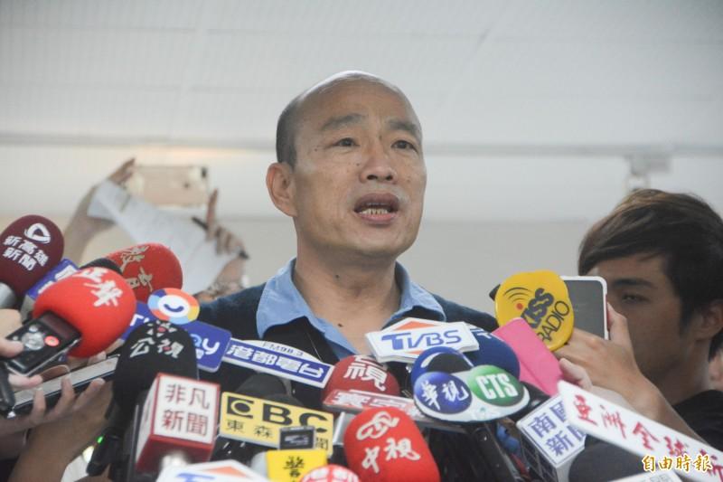 韓國瑜無法接受廠商協助學校裝清淨機被指為保護費。(記者王榮祥攝)