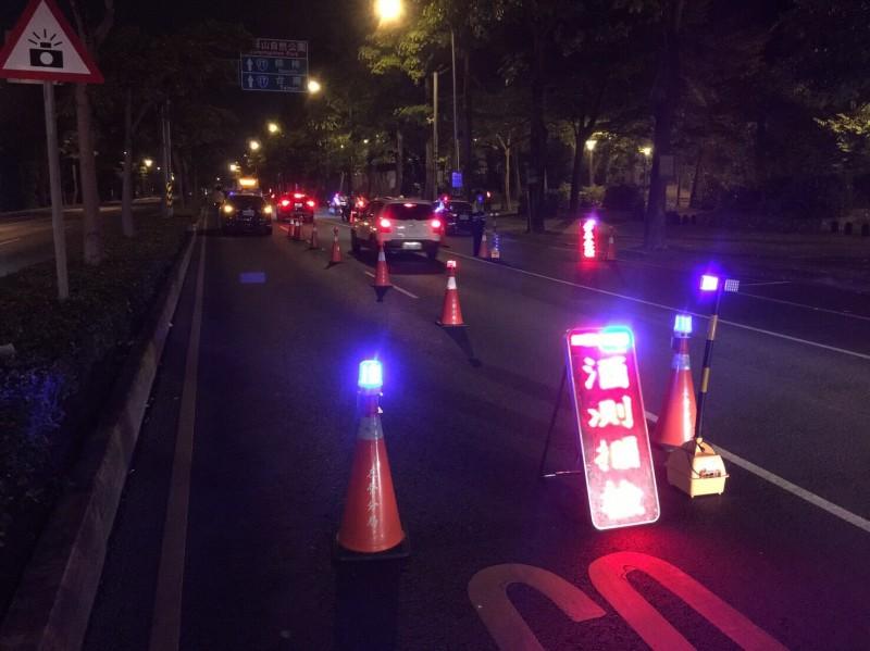 警政署長對警察酒駕再下猛藥,基層官警支持但反映連座太嚴苛,照片人物和新聞事件無關。(記者黃良傑翻攝)