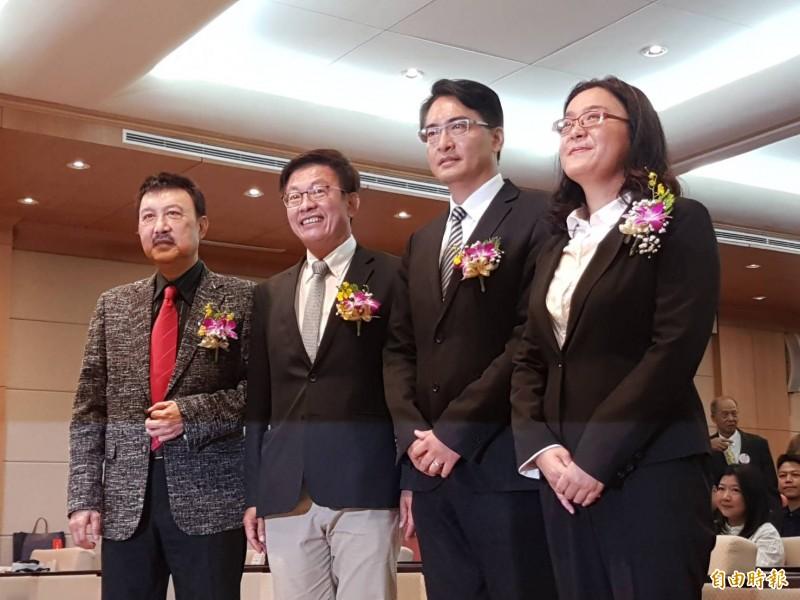 立法案今舉行區域立委補選就職宣誓典禮,左起為余天、郭國文、柯呈枋、陳玉珍。(記者謝君臨攝)