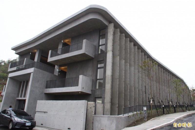 樹林生命紀念館第一期工程在2月完工,預計5月啟用,可容納2萬6千個納骨櫃及4千座神主牌位。(資料照,記者邱書昱攝)