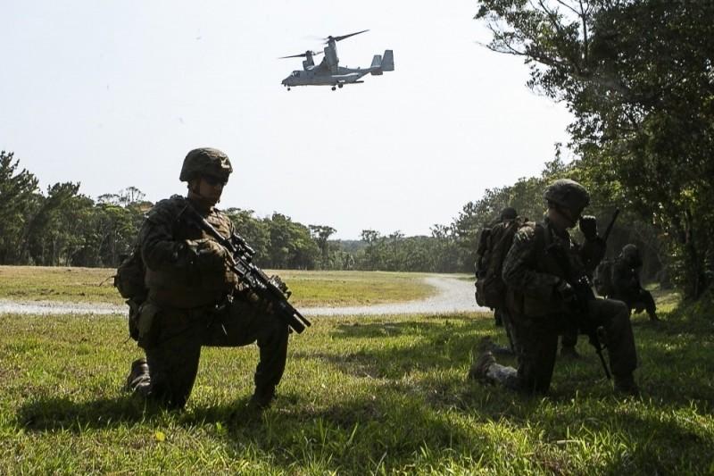 美軍陸戰隊等作戰單位在伊江島演練奪島行動。(擷取自美軍陸戰隊網站)