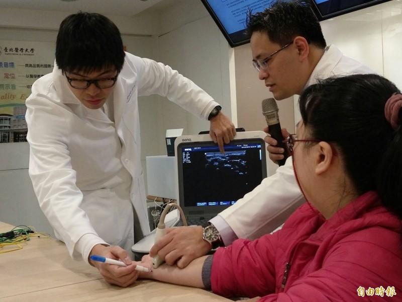 傳統醫學科、骨科合作醫治神經受損問題。(記者吳亮儀攝)