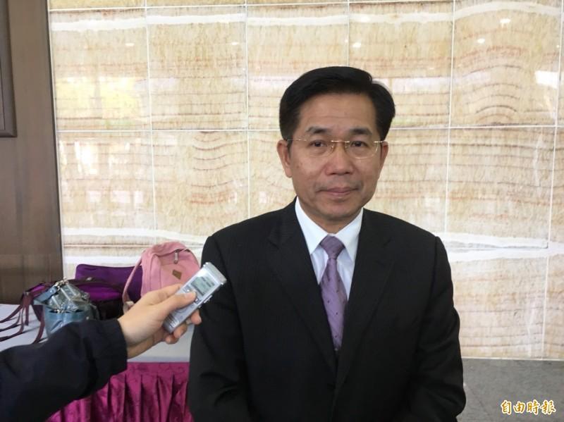 教育部長潘文忠今天受訪表示,他尚未看到檢討報告內容,相信社會自有公評,教育部對於所有大學的校長遴選制度改進措施已展開研議。(記者林曉雲攝)