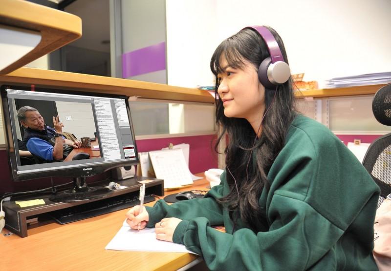 清華大學全球營運管理碩士雙聯學位學程上課時間彈性,美國教授平日會以視訊及線上直播親授並與學生互動。(清大提供)