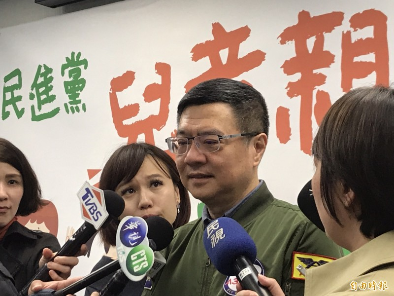 民進黨主席卓榮泰在民進黨親子日活動後受訪。(記者蘇芳禾攝)