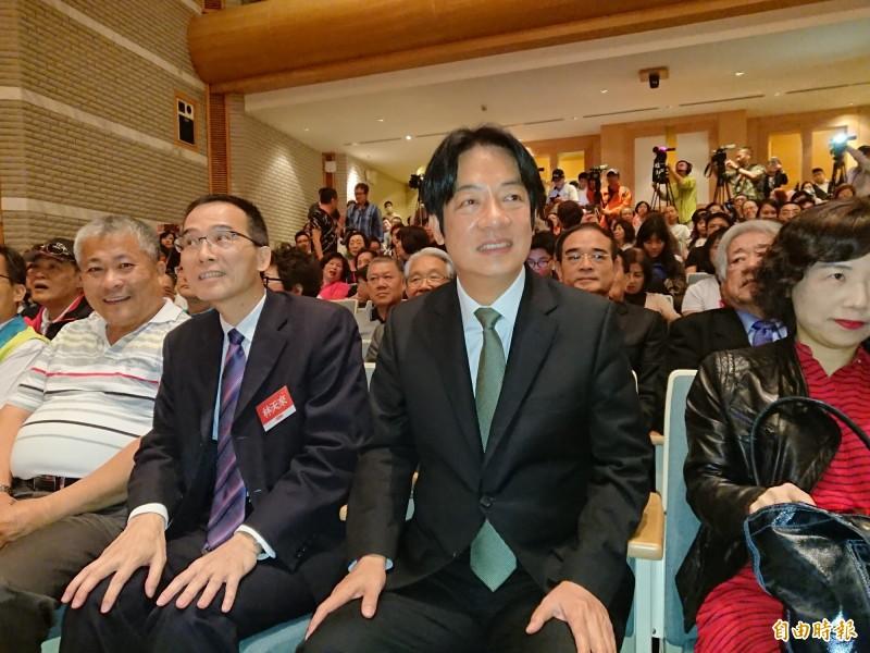 賴清德今天在台南舉辦簽書會。(記者洪瑞琴攝)