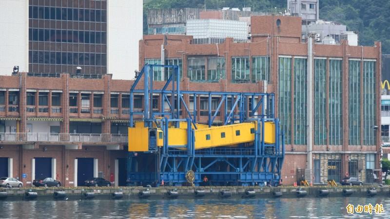 基隆港郵輪旅客今年目標突破100萬人次,東岸旅客中心今年7月將設置自動通關系統(E-Gate),新建旅運空間及通行廊道。(記者林欣漢攝)