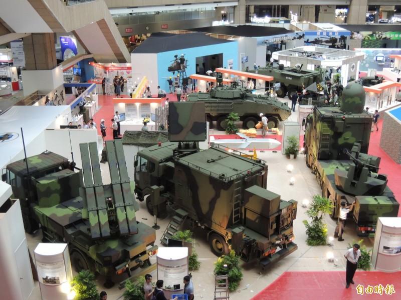 中科院在航太展中展示自主研發的武器系統。(記者羅添斌攝)