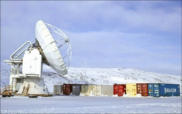 中研院改裝假設的格陵蘭望遠鏡。(中研院天文所提供)