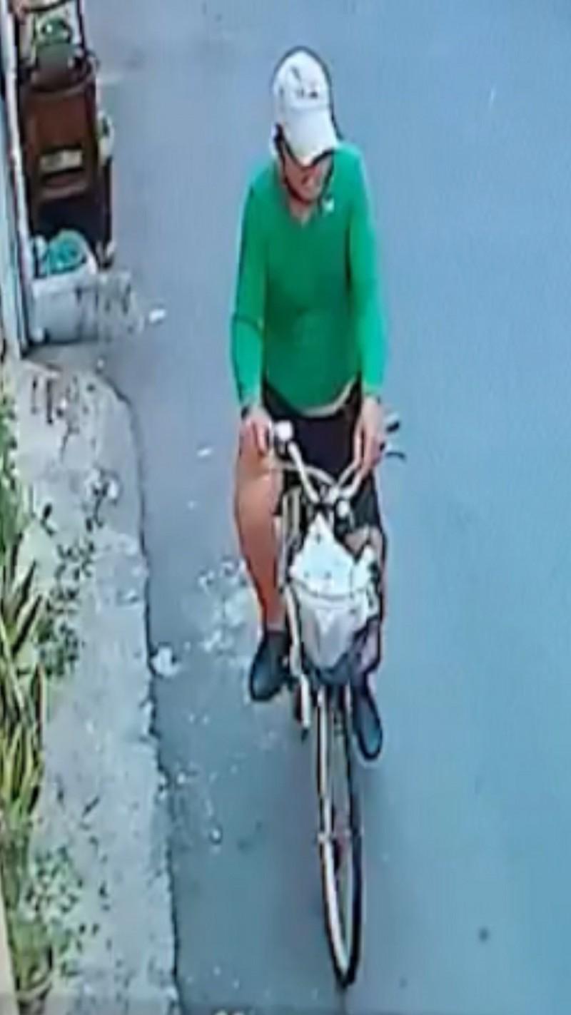 台南市五分局警方查獲涉貼傳單恐嚇市議員謝龍介的葉姓男子。(記者王俊忠翻攝)