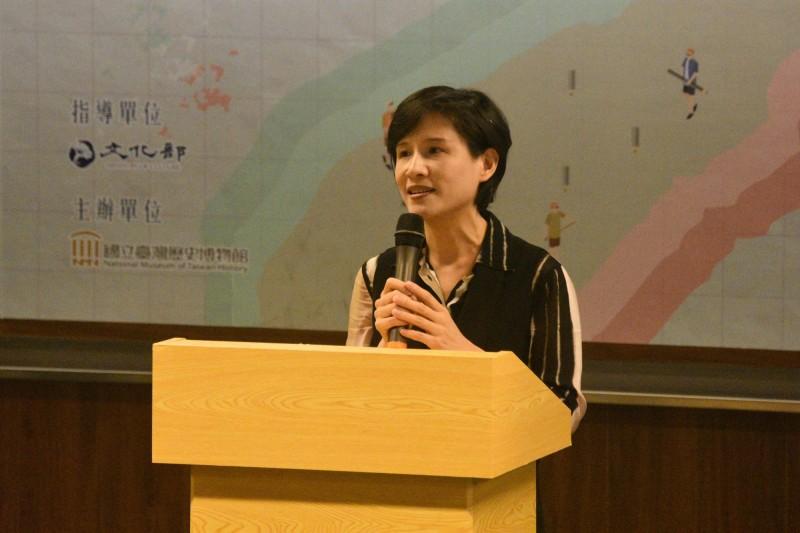 文化部長鄭麗君認為,世界的知識體系是從地方開始的,期盼透過博物館將民間與政府的力量結合在一起。(記者洪瑞琴翻攝)